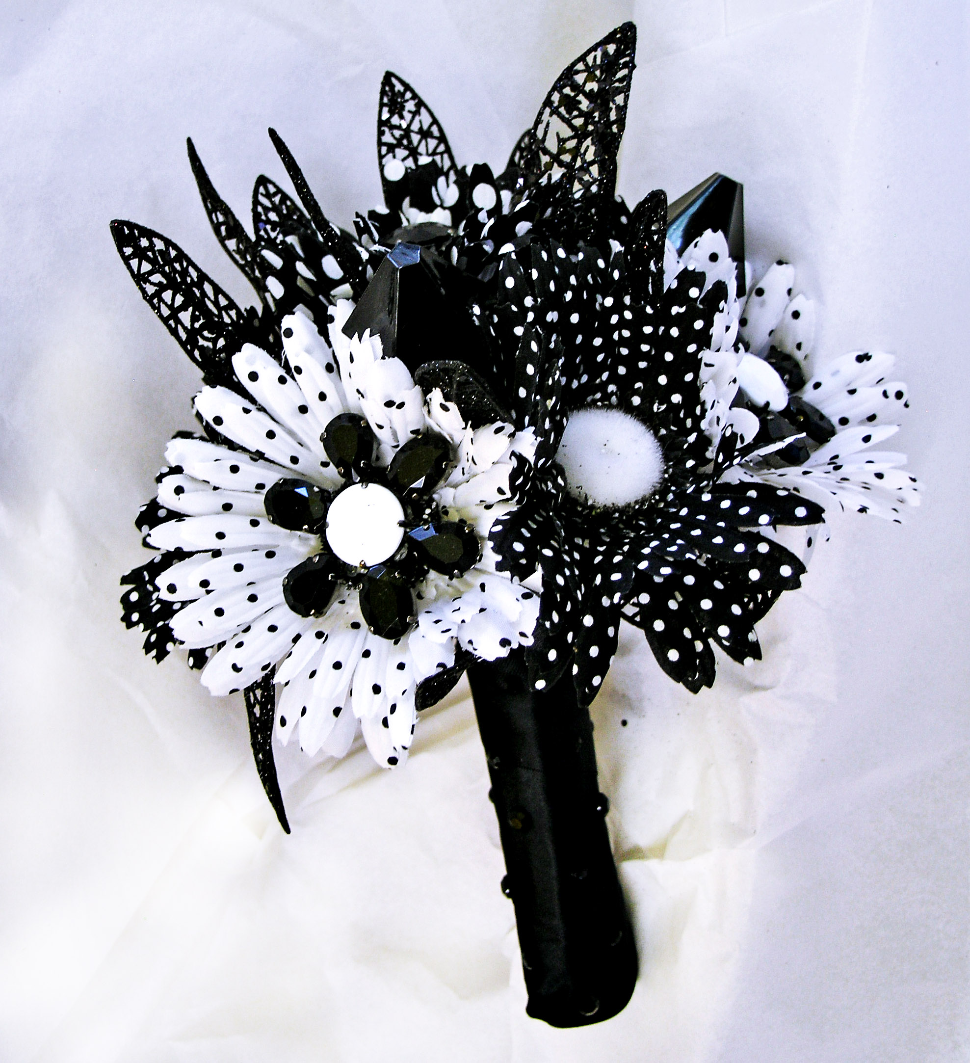 black and white wedding mod bridal bouquet retro flowers on luulla. Black Bedroom Furniture Sets. Home Design Ideas
